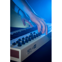 CLAVIER + PAD ARTURIA BLANC 49 TOUCHES ESSENTIAL-49 - rer electronic